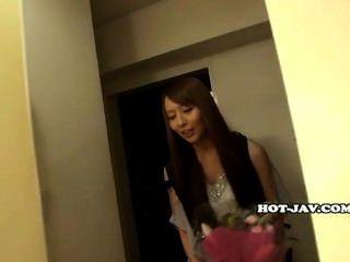 As meninas japonesas encantam a menina da escola do jav no classroom.avi