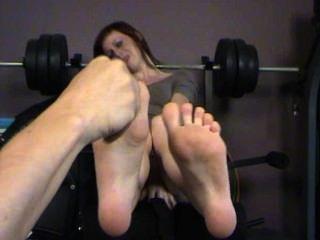 Você realmente sabe como fazer cócegas em meus pés
