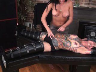 Modelo tatuagem ticklish