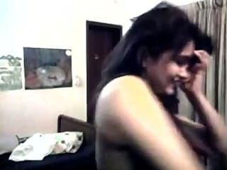 Paki girl strip teasing em webcam de islamabad