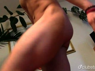 Sexy nikka reta masturbando seu pau