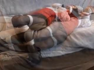 Bebê em um sofá