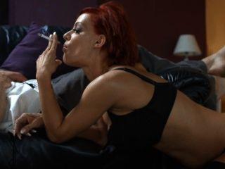 Lou lou forte cigarros fumando sexo