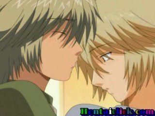 Hentai gay boy é levado de trás por seu belo amigo na primeira vez