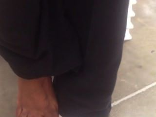 Ebony post treino pés