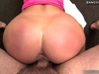 Hot pornstar jordan fica grande galo na buceta