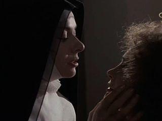 Anne heywood e martine brochard nas freiras de santo arcanjo