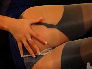 Blondie em meia-calça de nylon incrível