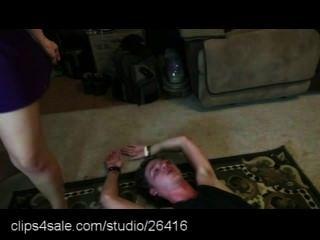 Ação wrestling misturada em clips4sale.com