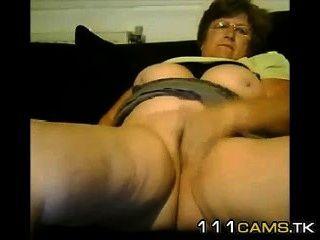 Mulher madura grande do tit masturba-se no bate-papo livre do sexo.O chat sensacional 111cams.tk