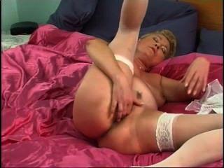 Secrets of horny mature 1 cena 3