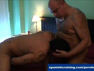 Horny latinos soprando dicks