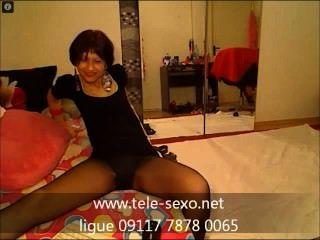 Adorável garota de meias pretas finas tele sexo.net 09117 7878 0065