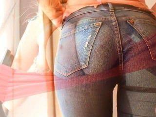 Incríveis incríveis seios naturais e grande cameltoe em jeans