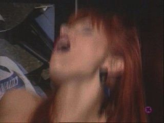 Absurdamente horny slut shafted no elevador .. eixo