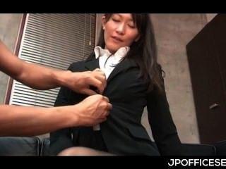 Atraente secretária asiática despojado e provocada por seu chefe tesão