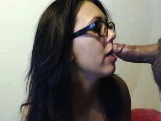 Morena quente suga e fode para cum em seu rosto