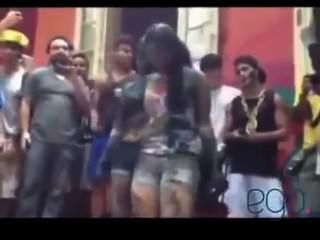 Dançando na escola