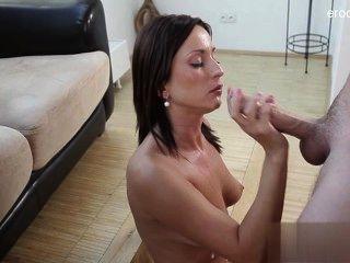 Bom sexo raspado pussy em público