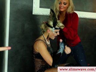 Bukkake lésbicas usando strapon no gloryhole em hd