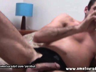 Peludo ashley deixa nas botas de joelho alto como ele joga com seus brinquedos sexuais