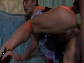Madura maid madura fodendo um rapaz