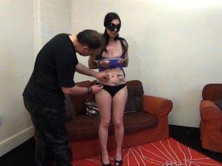 Kinky honestys amador bdsm e tit torturas de gritar morena em estréia