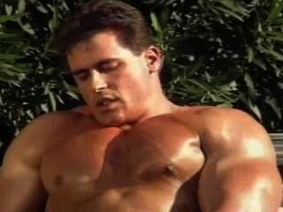 Sr.Músculo, sacudindo, piscina