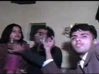 Meninas chamadas paquistanesas