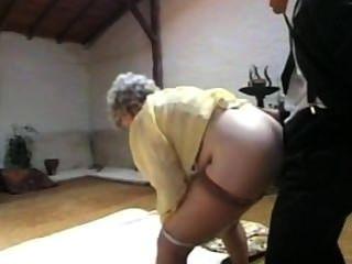 Diversão e sexo com a avó