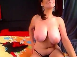 Amador morena maduras grandes boobs naturais masturbando