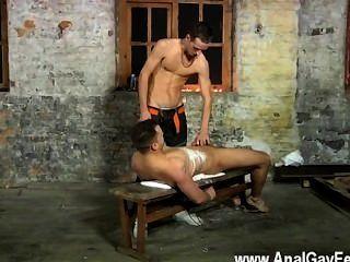 Twinks gays luke não está sempre contente apenas throating o jizz de outro