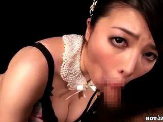 As meninas japonesas encantam a menina quente do jav adolescente no banho room.avi