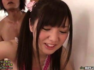 Meninas japonesas fodendo menina adolescente agradável em living room.avi