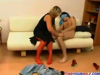 Milf amador começ seu bichano lambido pelo homem novo
