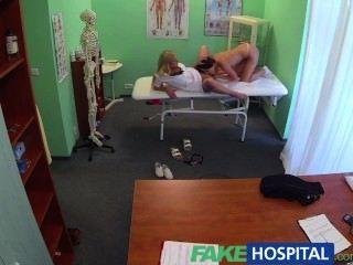 Fakehospital médicos galo e enfermeiros língua cura frustrado horny pacientes