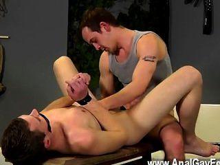 Cena gay surpreendente dan é um dos homens jovens mais quentes, com a sua tensa