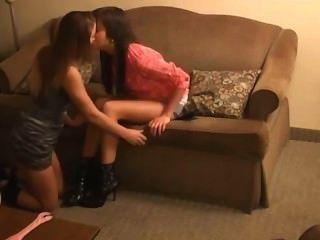 Dominação lésbica do pé