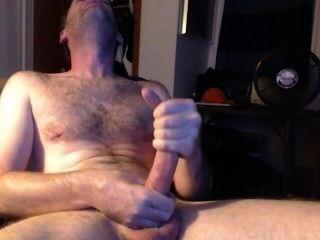 Macho com uma jereba enorme
