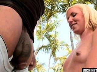 Sexy loura adolescente fodido por enorme galo 09