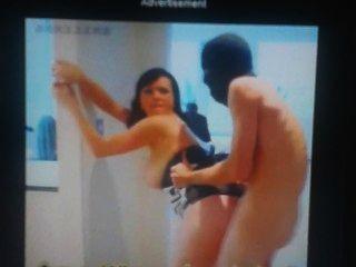 Quem é a garota no vídeo