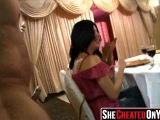 29 strippers obtêm fundidos na festa de sexo cfnm 40