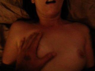 Amador sexo de casal depois de usar uma bomba de pénis com um final facial