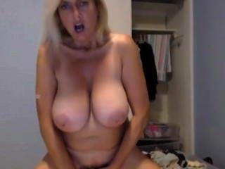 Atordoante xxx pornstar tahnee taylor com 38dd tits enorme