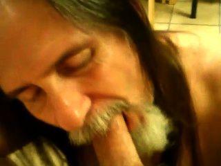 Chupar galo e engolir esperma