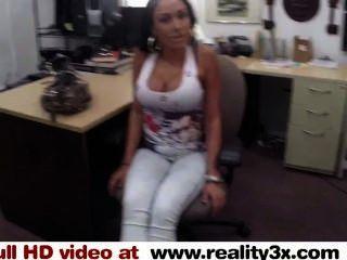 Sexo verdadeiro do spycam latty grande do titty é uma vagabunda para algum dinheiro reality3x.com