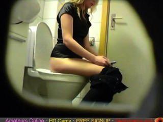 Loura amador teen banheiro pussy ass escondido espião came voyeur 4 sexo livre ao vivo