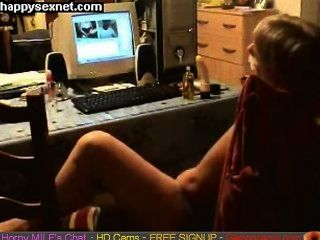 Milf se divertindo na web cam.Cam escondido cams sexo ao vivo felizes gapingcams.com