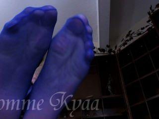 Adorar seus pés grandes meia-calça azul
