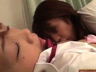 Schoolgirl, beijando, ficar, seu, mamilos, sugado, raspado, bichano, lambido, dela, cl